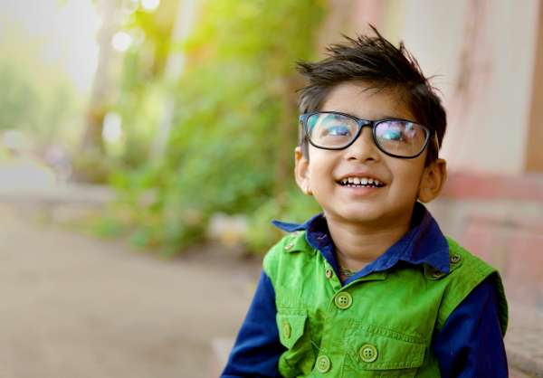Electronic Eyeglasses Could Prevent Progression of Myopia