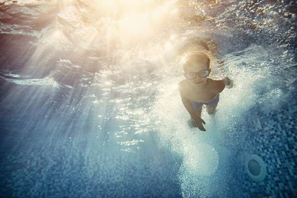 FYidoctors Blog | Protect Your Eyes this Summer: Your Guide to Pools, Lakes and Oceans